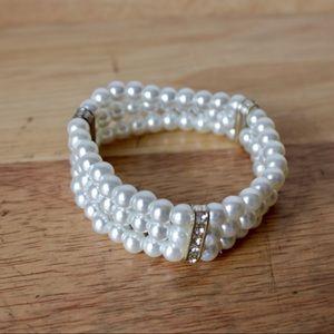 Jewelry - • the costume pearl bracelet